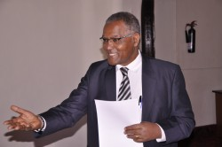 Prof Kifle Woldemichael, HoA RILab Director emphasizes a point at the workshop