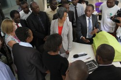 Ann-Mei-Chang-appreciating-the-Re-Imagination-of-the-Ebola-Tent-Innovation-at-RAN